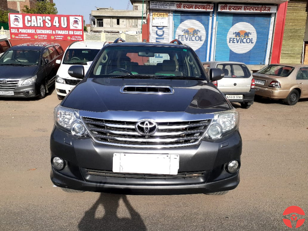 2013 Toyota Fortuner 3.0 4x2 Manual