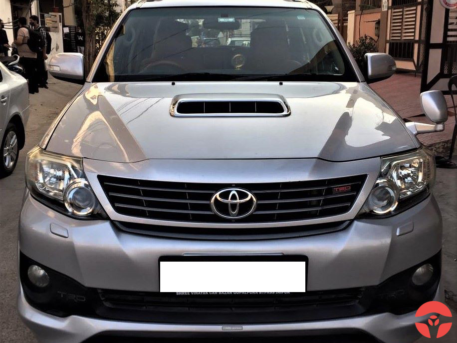 2013 Toyota Fortuner 4x4 Manual Limited Edition