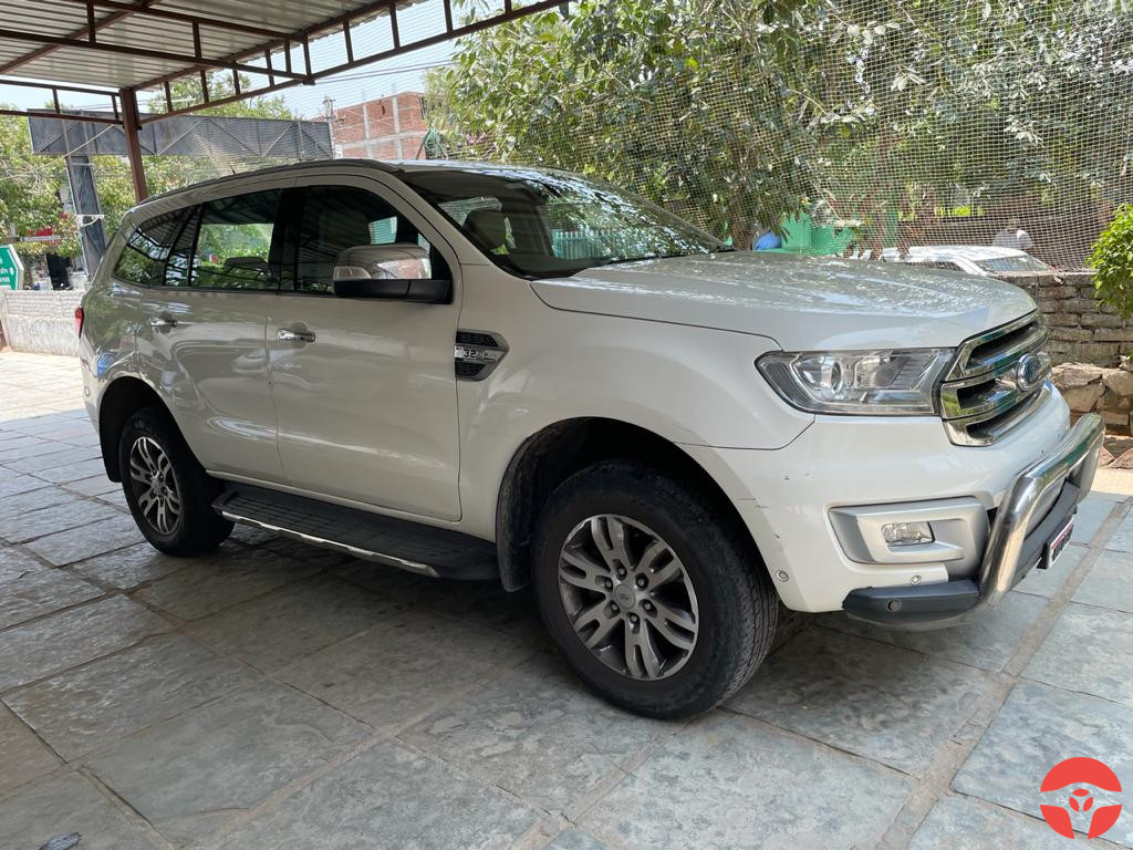 Buy Used 2017 Ford Endeavour in Jaipur